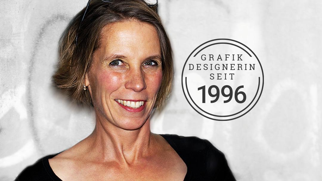 Portrait Inken Webler mit Stempel Grafikdesignerin seit 19996
