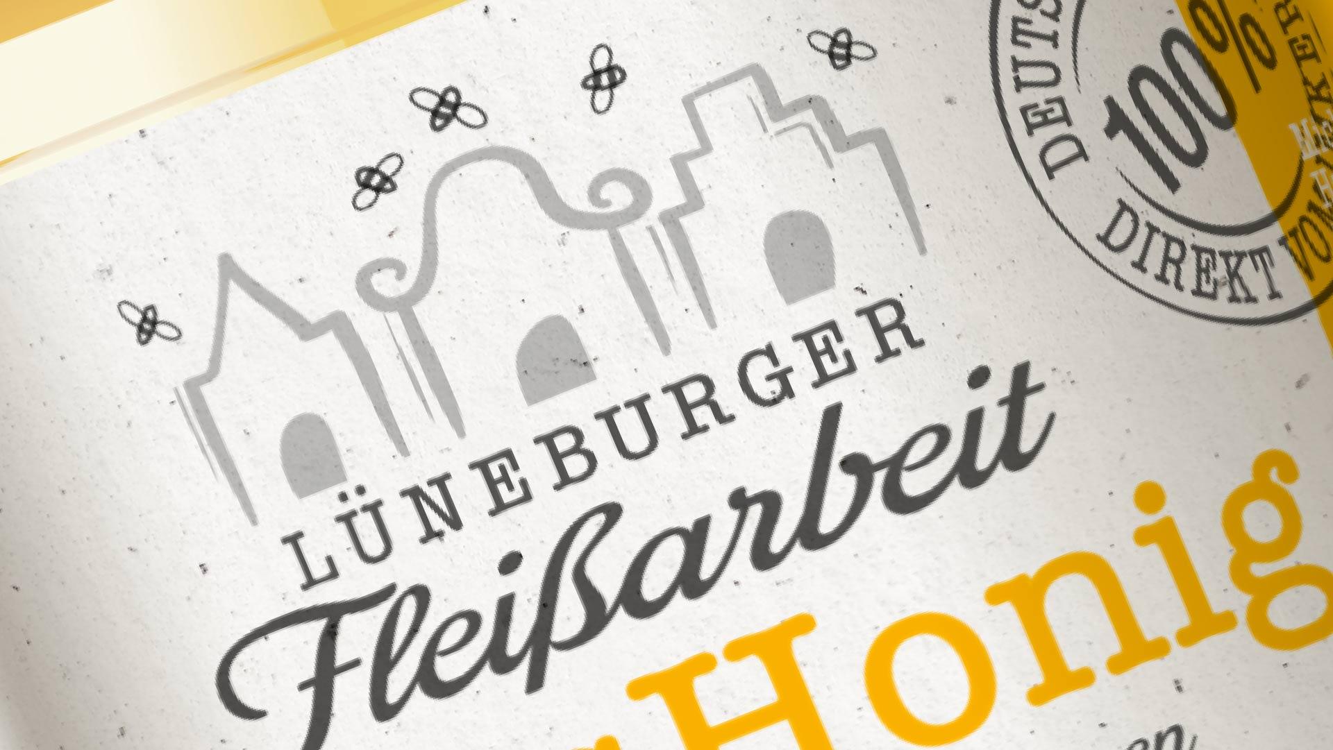 Clos Up eines Honigglases Lüneburger Fleissarbeit